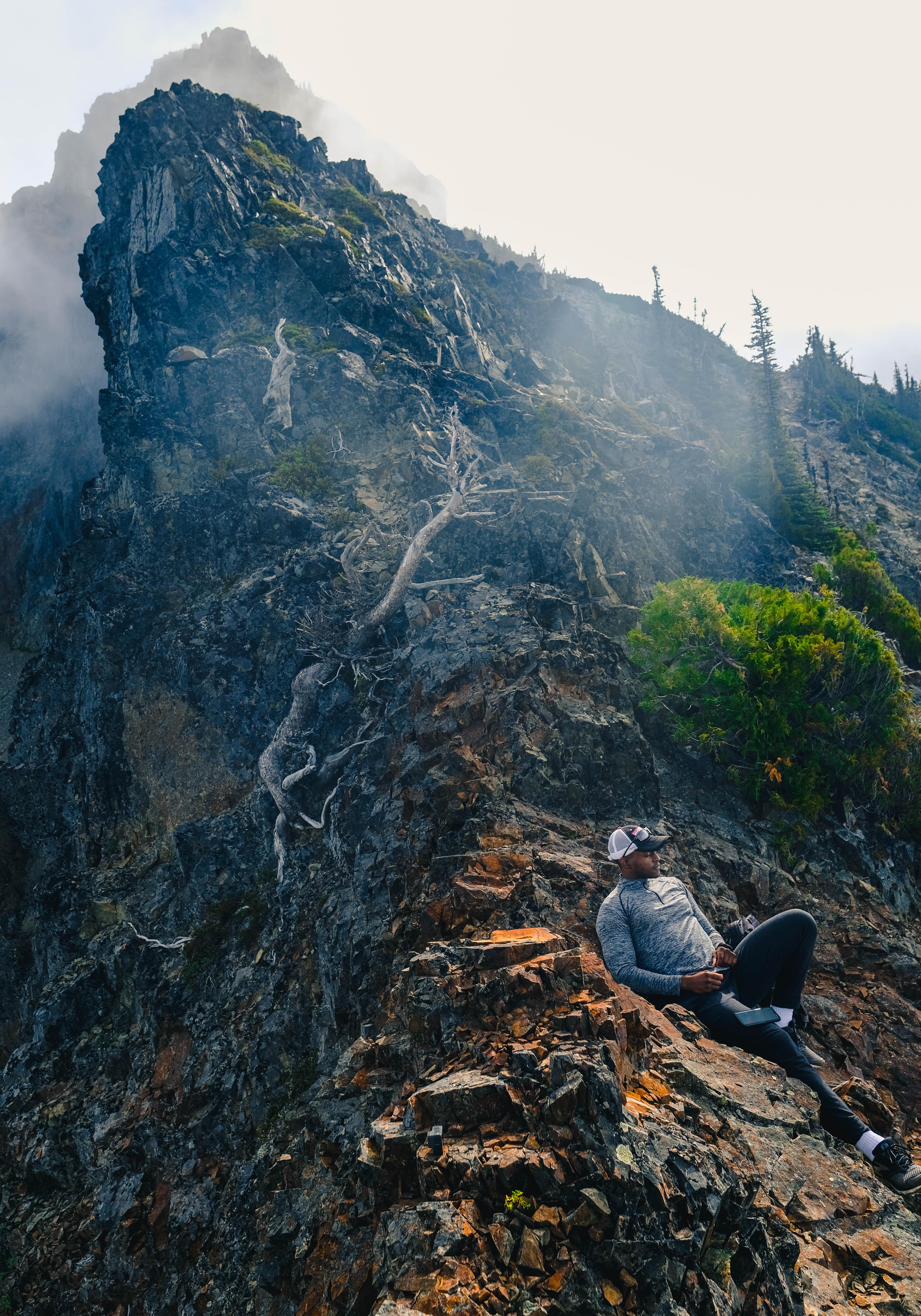 DSHS EMPLOYEES: Vesper Peak