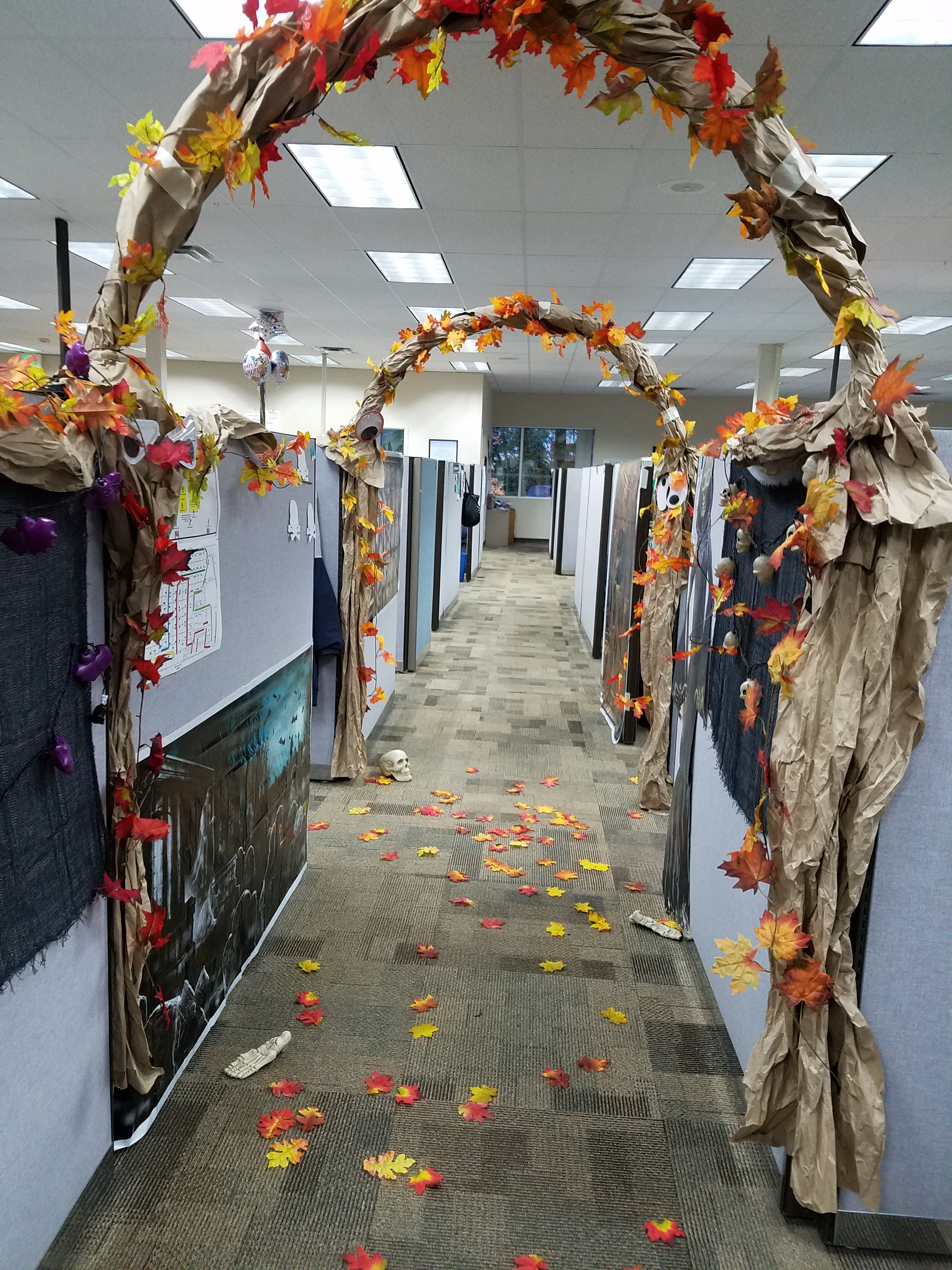 DSHS IN ACTION: Office Decorating