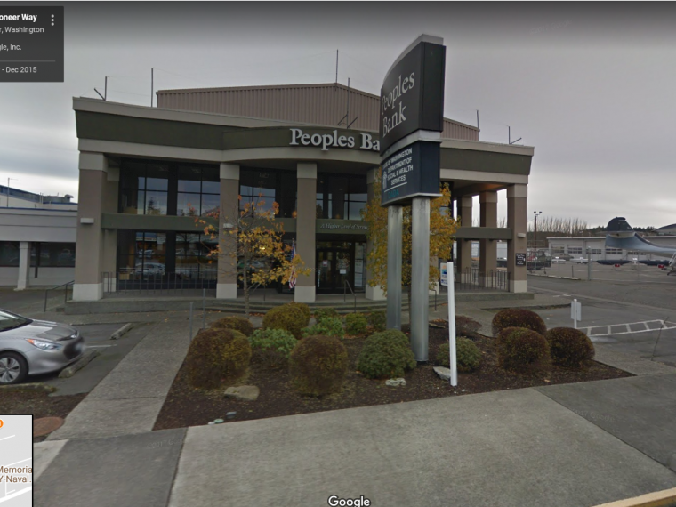 Exterior photo of Oak Harbor customer service office