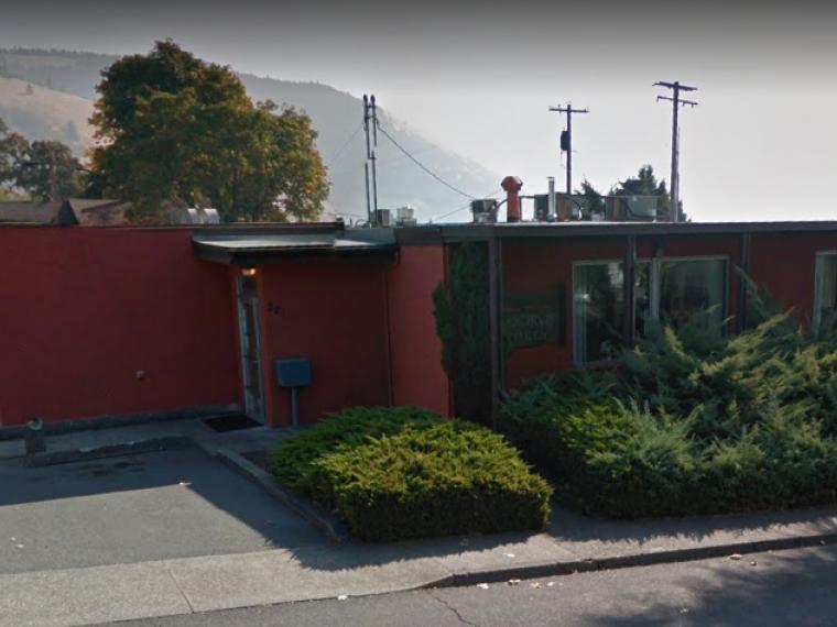 Exterior photo of White Salmon customer service office